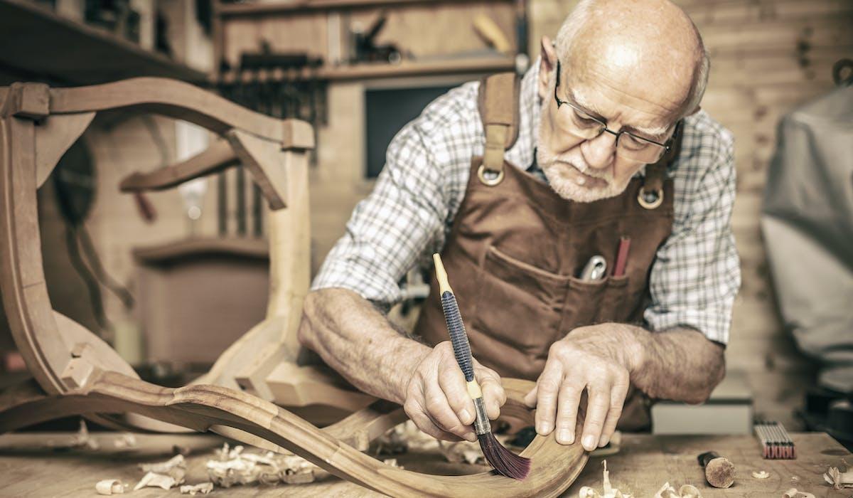 La réforme des retraites va inciter les assurés à travailler plus longtemps.