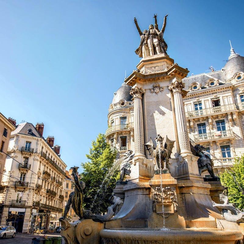 Faire des investissements immobiliers à Grenoble