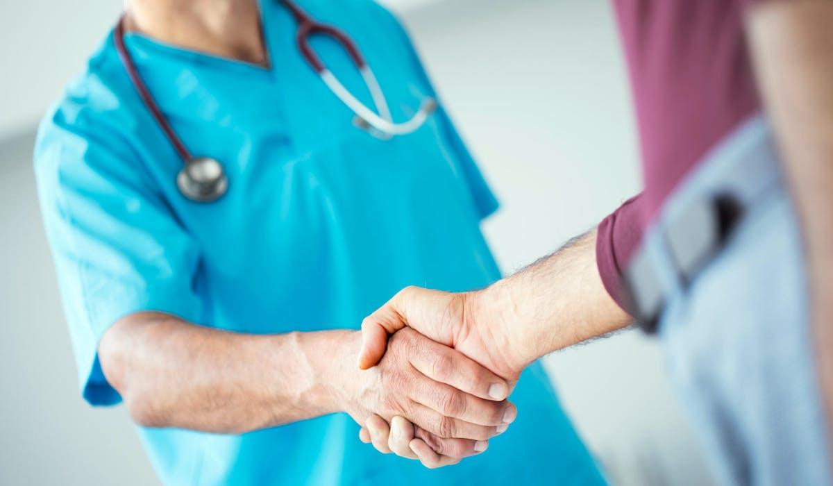 L'AME consiste en une couverture des soins médicaux et hospitaliers à hauteur de 100 %.