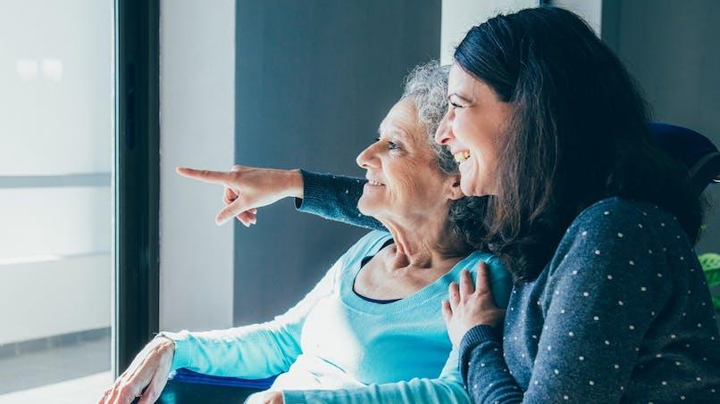 Congé indemnisé, droit à la retraite… : le plan du gouvernement pour les proches aidants