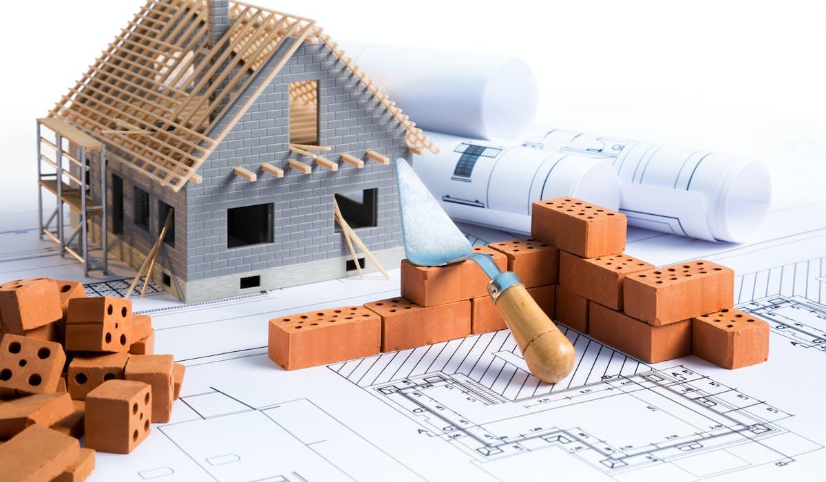 Architecte, artisan ou entreprise : quel professionnel choisir ?