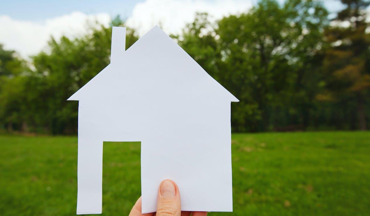Il est beaucoup plus facile d'acquérir un terrain dans un lotissement qu'un terrain isolé.