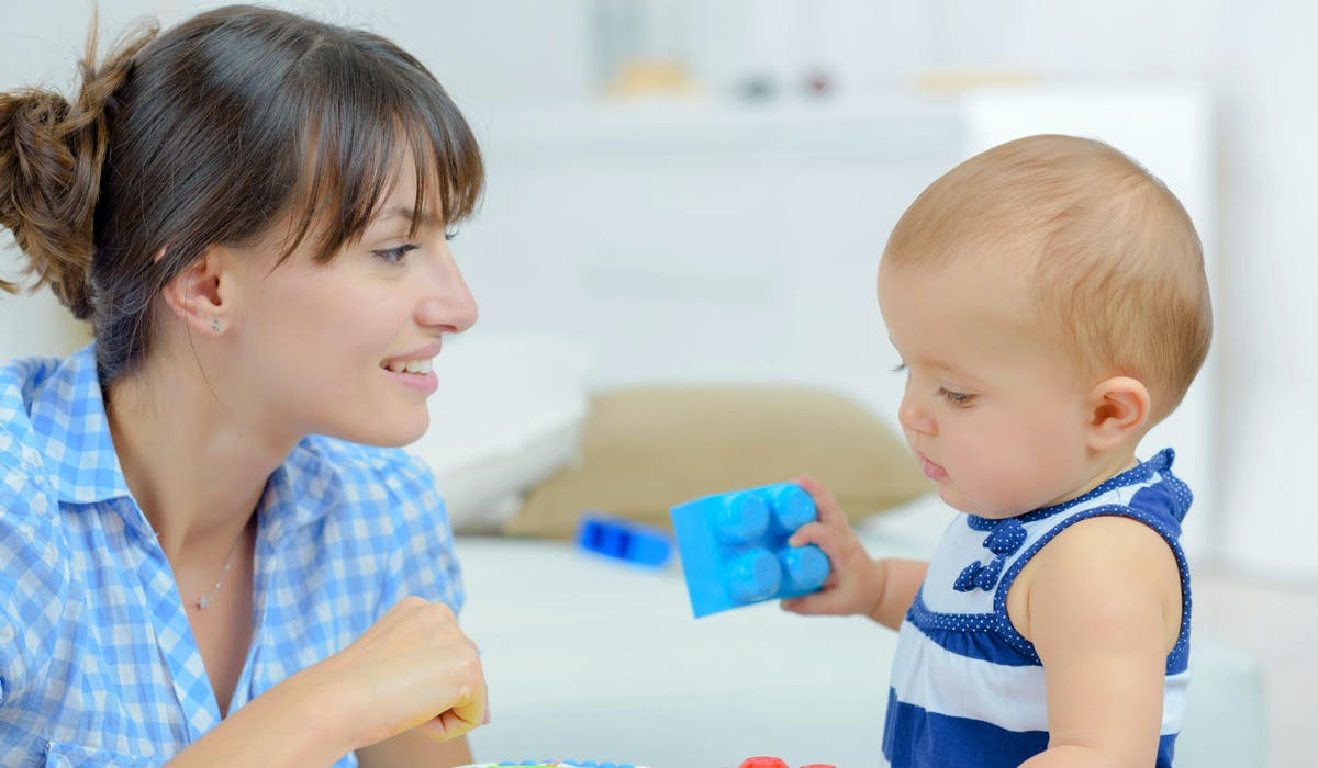 Les assistantes maternelles sont des professionnelles agréées.