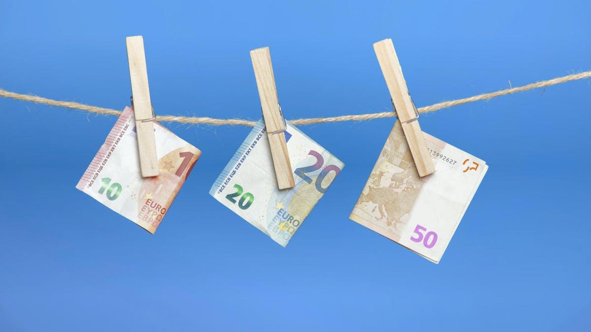 Sur un plan d'épargne retraite individuel, vous versez de l'argent à votre rythme.