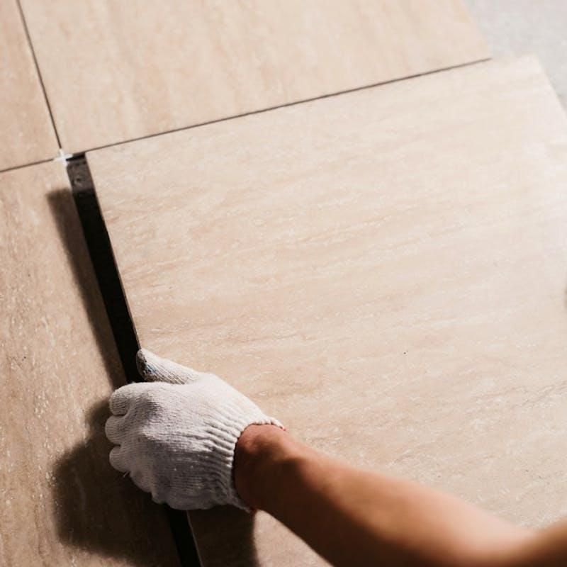 Construction : la garantie décennale ne couvre pas le carrelage mal posé