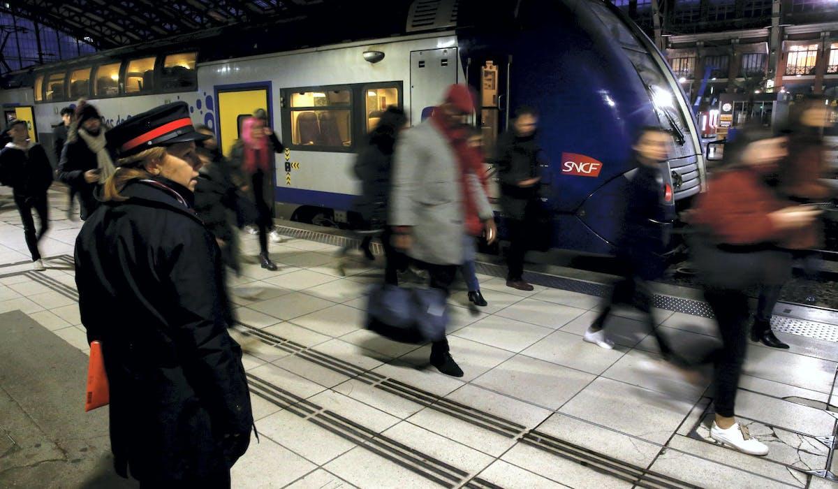 À la gare de Lille, jeudi 5 décembre.