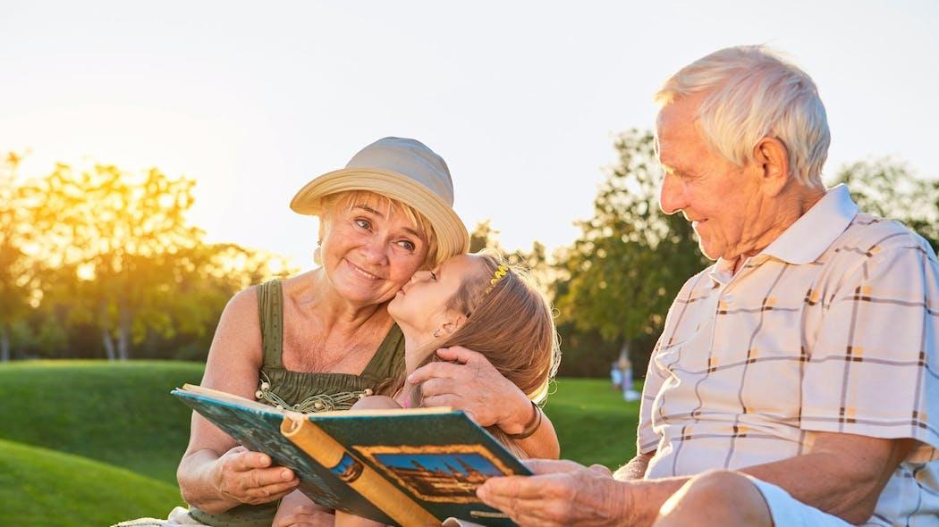 Retransmettre le savoir aux enfants Heritage_grands-parents