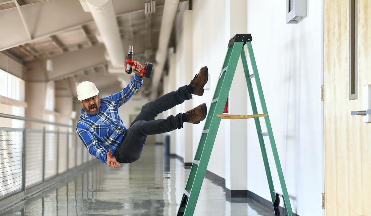 En cas d'accident du travail, l'employeur doit être informé dans les 24 heures.