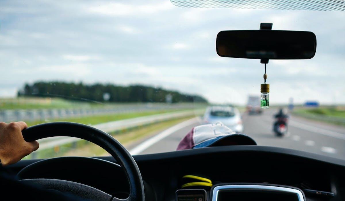Les véhicules émettant 173 grammes de dioxyde de carbone par kilomètre ou davantage sont concernés par l'alourdissement du malus.