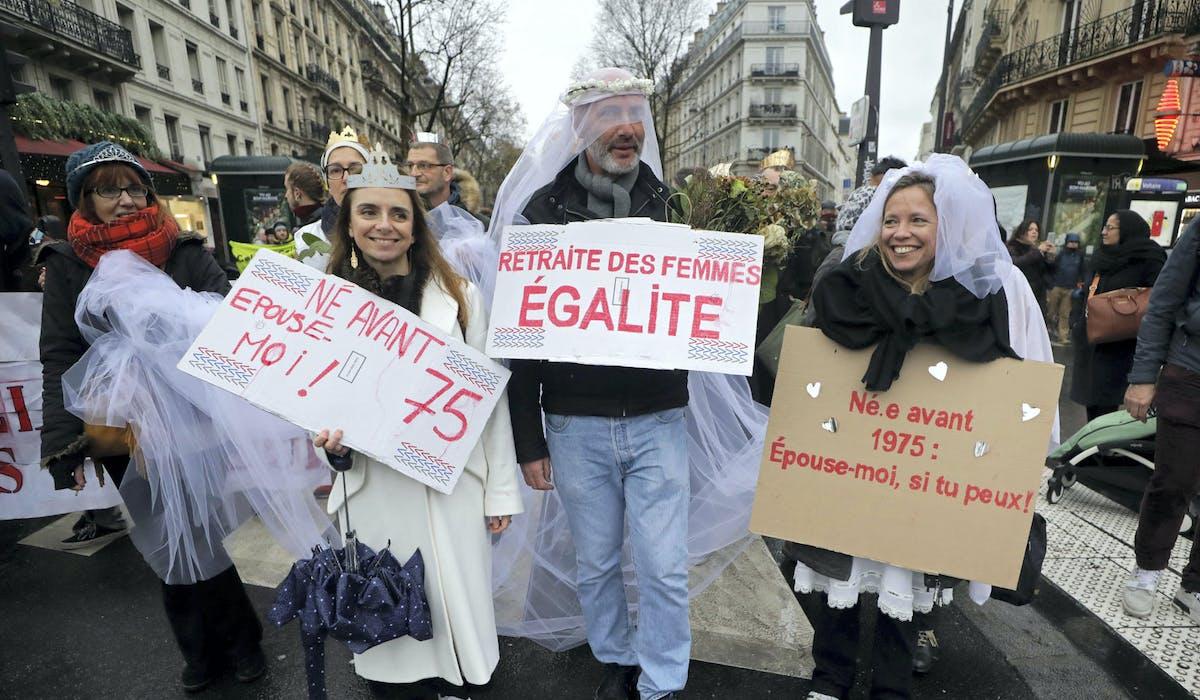 Des manifestants à Paris le 12 décembre.Eric Gaillard – Reuters