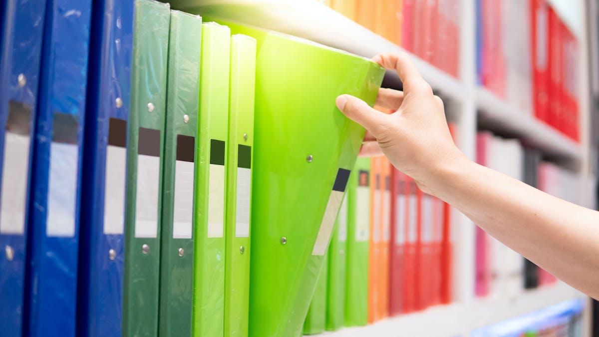 Le fichier doit être accessible aux administrateurs de biens.