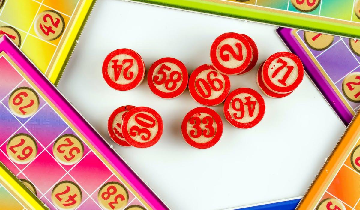 On ne peut pas gagner d'argent dans un loto, seuls les lots sont autorisés.