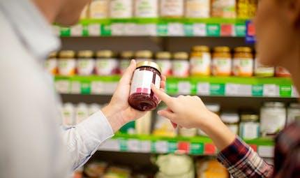 Gaspillage alimentaire : industriels et distributeurs s'engagent à clarifier les dates de péremption