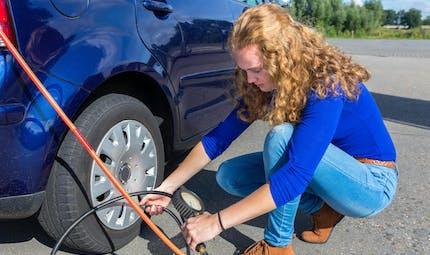 4 conseils pour une voiture moins polluante