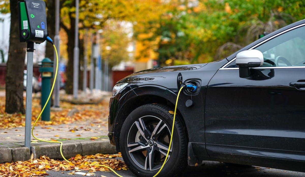 Borne de recharge d'une voiture électrique