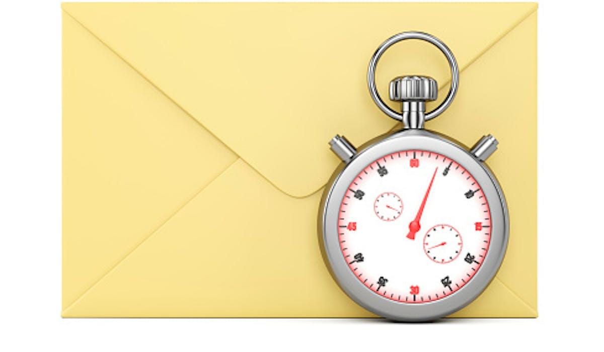 Une lettre jaune et un chronomètre