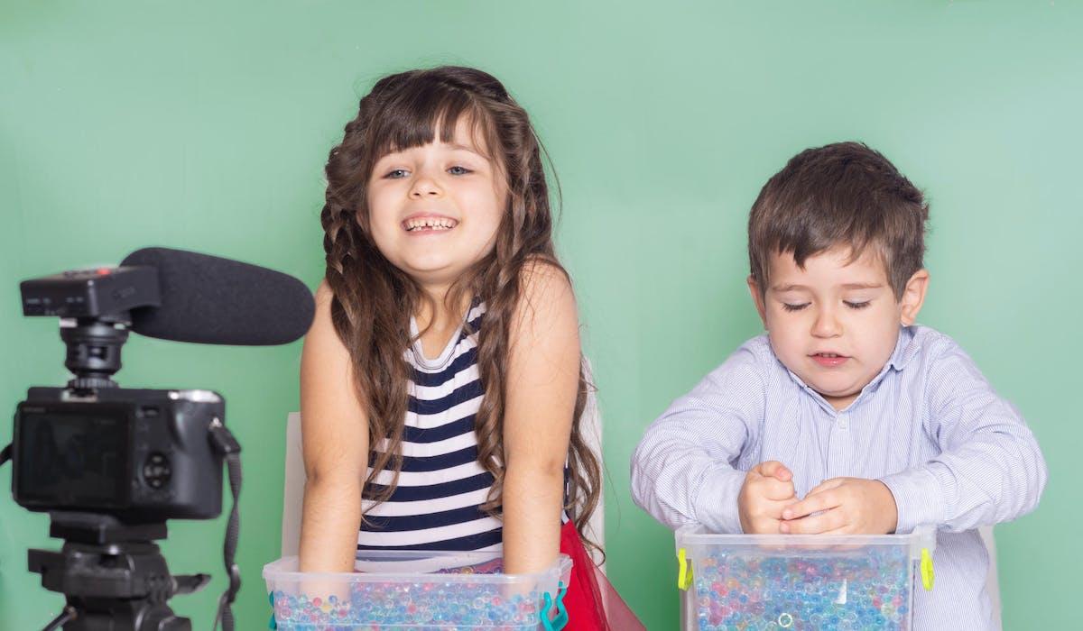 La proposition de loi vise à protéger les enfants influenceurs.