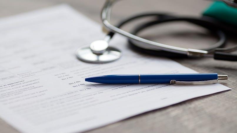 En arrêt maladie, ai-je le droit de travailler pour une autre entreprise ?