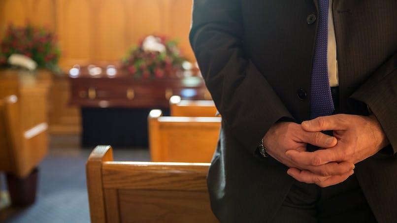Confinement : est-il possible de se rendre aux obsèques d'un proche ?