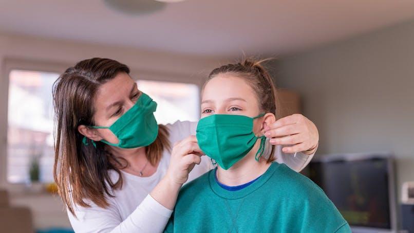 Coronavirus : trois tutos pour fabriquer votre masque alternatif