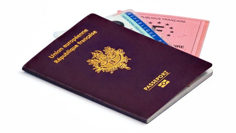Carte d'identité, passeport, permis de conduire : comment les renouveler pendant le confinement ?