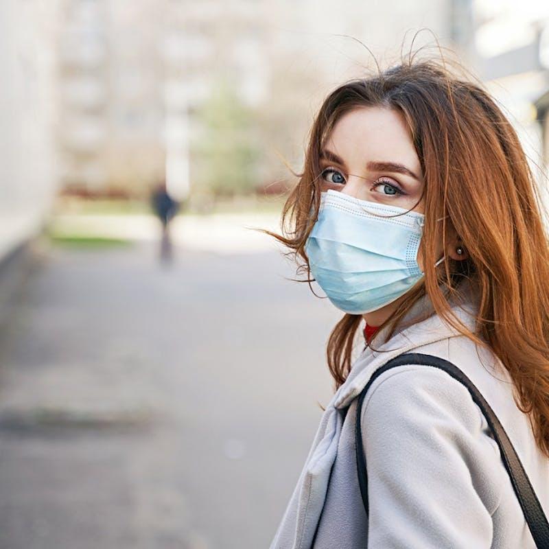 Masques homologués : où acheter pour éviter les arnaques ?