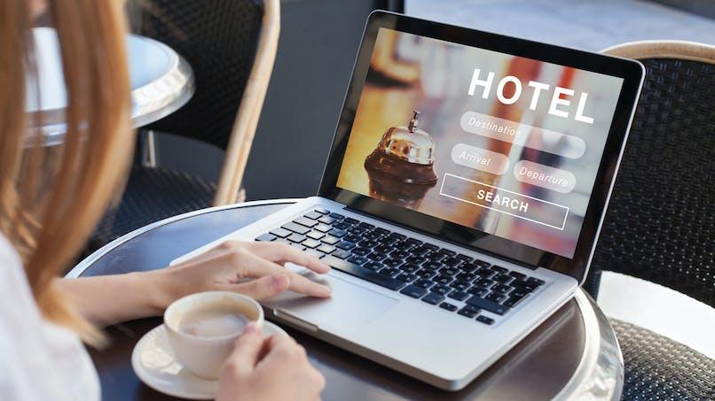 Vacances : les précautions à prendre avant de réserver sur une plateforme en ligne