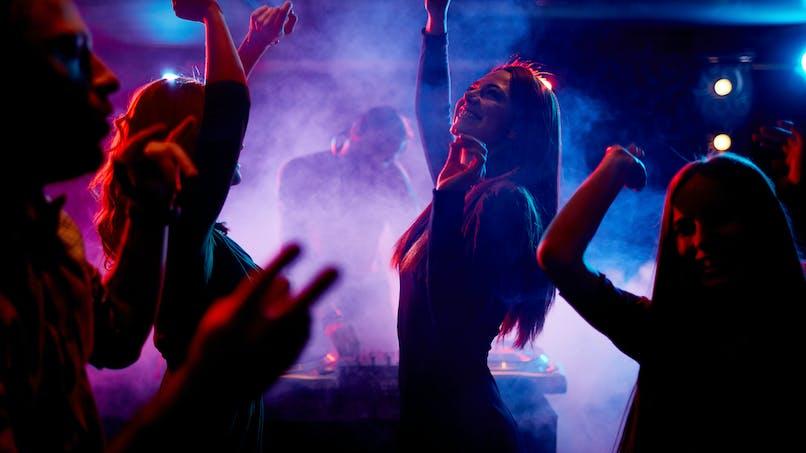 Les discothèques vont-elles pouvoir rouvrir cet été?