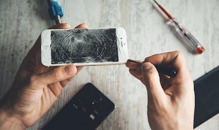 iPhone : vous pourrez le faire réparer moins cher avec des pièces d'origine