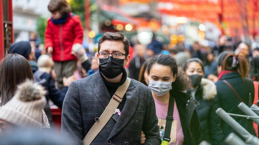 Vers une obligation du port du masque dans l'espace public ?