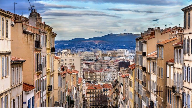 Masque obligatoire à Marseille et fermeture des bars et restaurants à 23h dans le 13