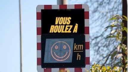 Sécurité routière : les feux comportementaux ne sont pas réglementaires