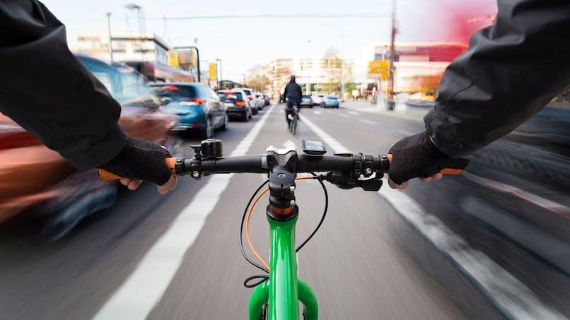 Automobilistes : 7 comportements à adopter face aux cyclistes