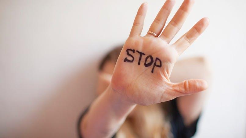 Violences conjugales : comment fonctionne le bracelet anti-rapprochement ?
