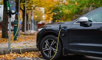 Voiture électrique d'occasion : bientôt un bonus de 1 000 euros