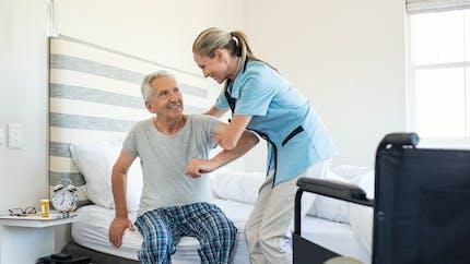 Démarches, aides, accompagnement... Comment gérer son retour à la maison après une hospitalisation ?