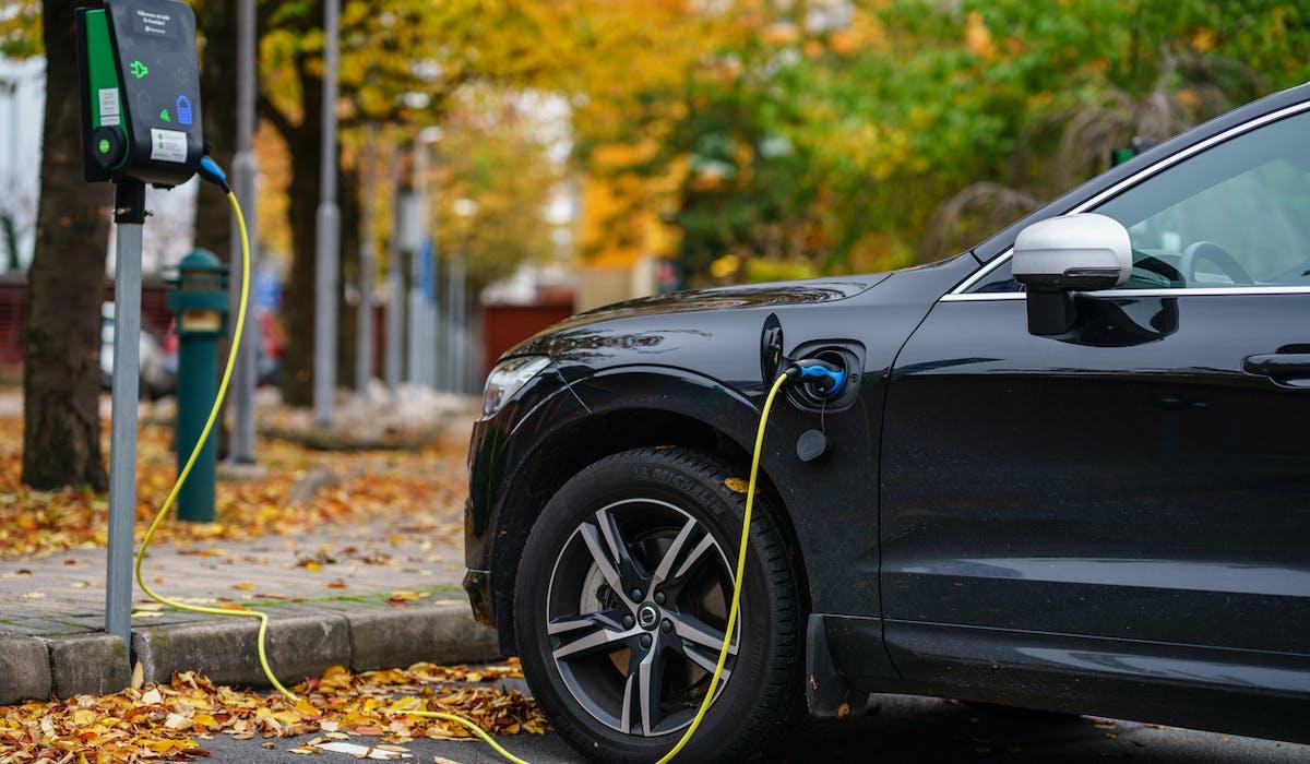 Voiture électrique, hybride : les aides financières