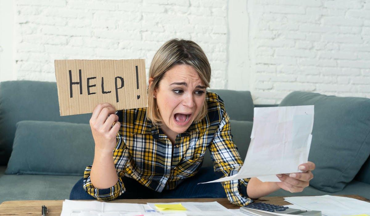 Devant la liste des documents à réunir pour obtenir le RSA, une allocataire appelle au secours !