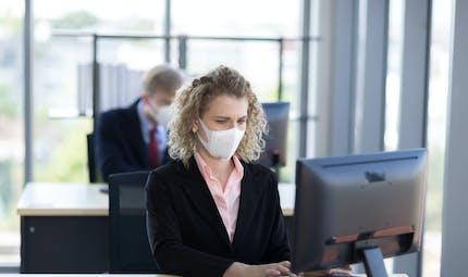 Mon employeur m'a obligé à travailler durant mon chômage partiel: que faire?