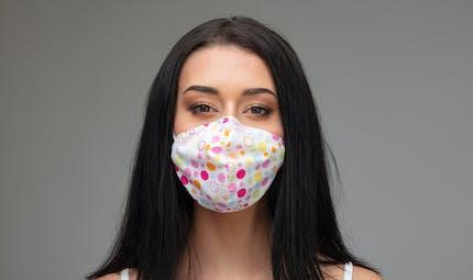 Variants du Covid-19 : certains masques en tissu sont moins efficaces
