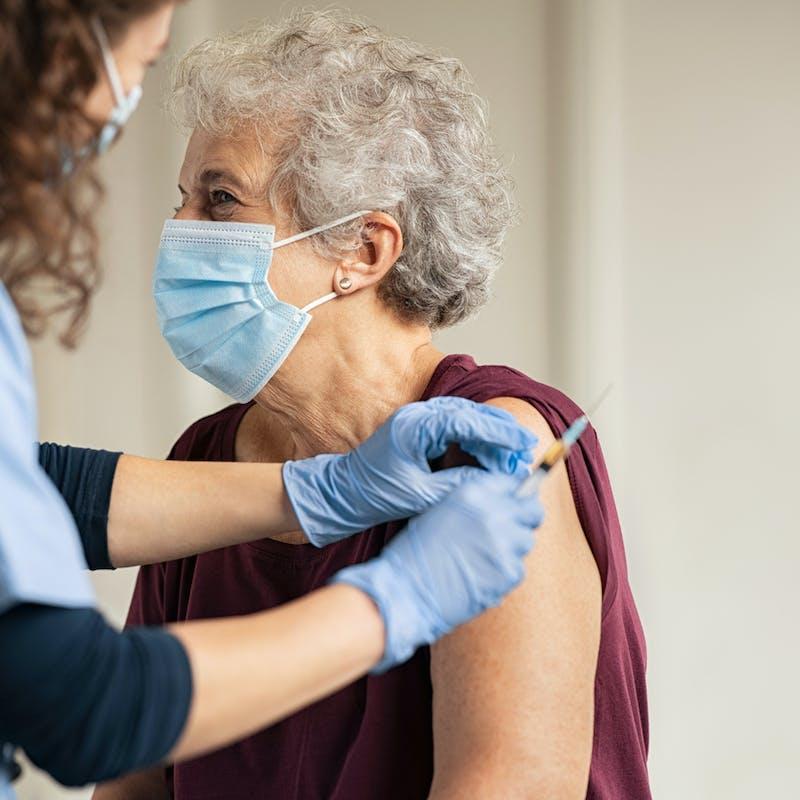 Vaccination contre le Covid-19 : vous pouvez signaler tout effet indésirable
