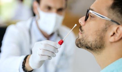 Test, isolement, école : les protocoles sanitaires se durcissent face aux variants du Covid-19