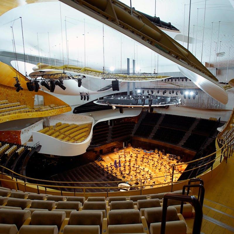 Restaurants, cinémas, salles de concert… Des propositions en faveur de leur réouverture