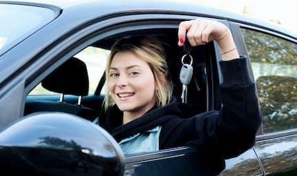 Permis de conduire : une aide de 1 300 euros en Ile-de-France pour les jeunes