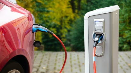 Voiture électrique : un crédit d'impôt pour l'installation d'une borne de recharge