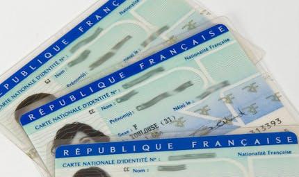 Une nouvelle carte nationale d'identité plus petite et biométrique sera délivrée