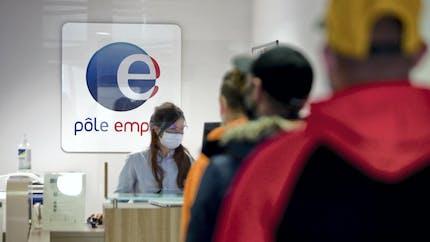 Réforme de l'assurance-chômage: plus d'un million d'allocataires Pôle emploi risquent d'y perdre