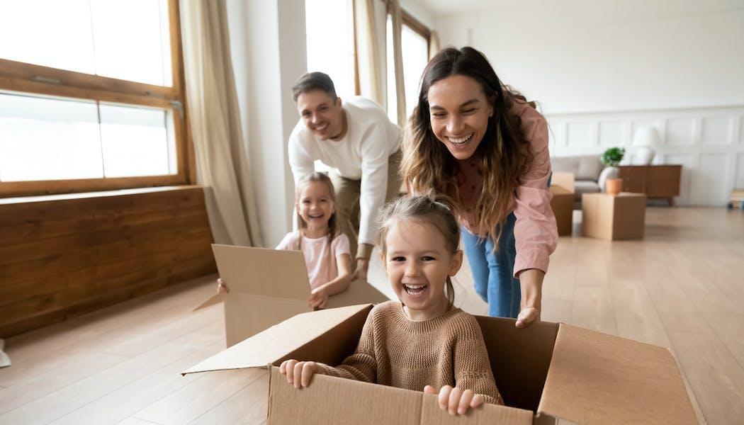 Immobilier : faut-il vendre son bien avant d'acheter plus grand ?