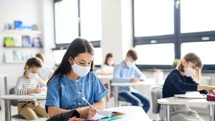 Les écoles rouvrent le 26 avril, les syndicats inquiets