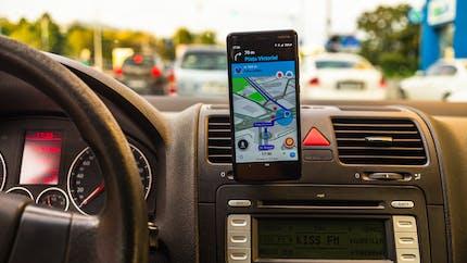 Waze, Coyote… Les applis GPS seront bientôt contraintes de masquer certains contrôles de police